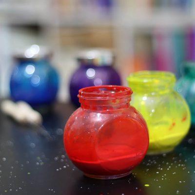 צנצנות לעירבוב צבע ebru יצירה על פני במים ebru.co.il